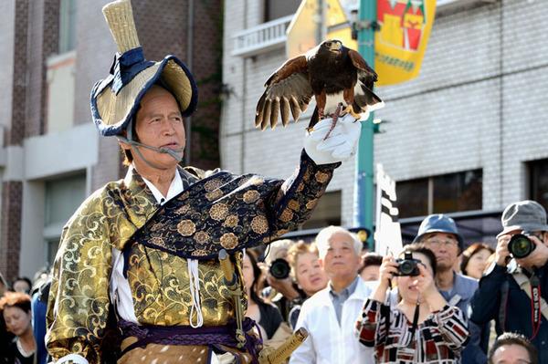 歴史の1ページを再現するイベント「城下町岩槻 鷹狩り行列」